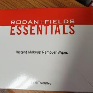 Rodan & Fields makeup remover wipes
